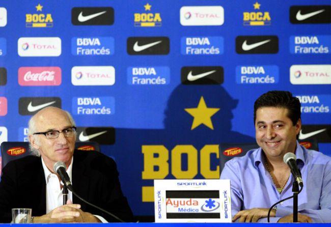 Bianchi y Angelici se reunieron por los refuerzos de Boca. // CEDOC.