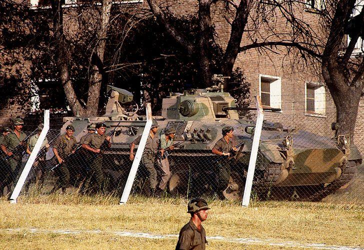 Para dar a entender que no había negociación posible, se desplegaron tanques.