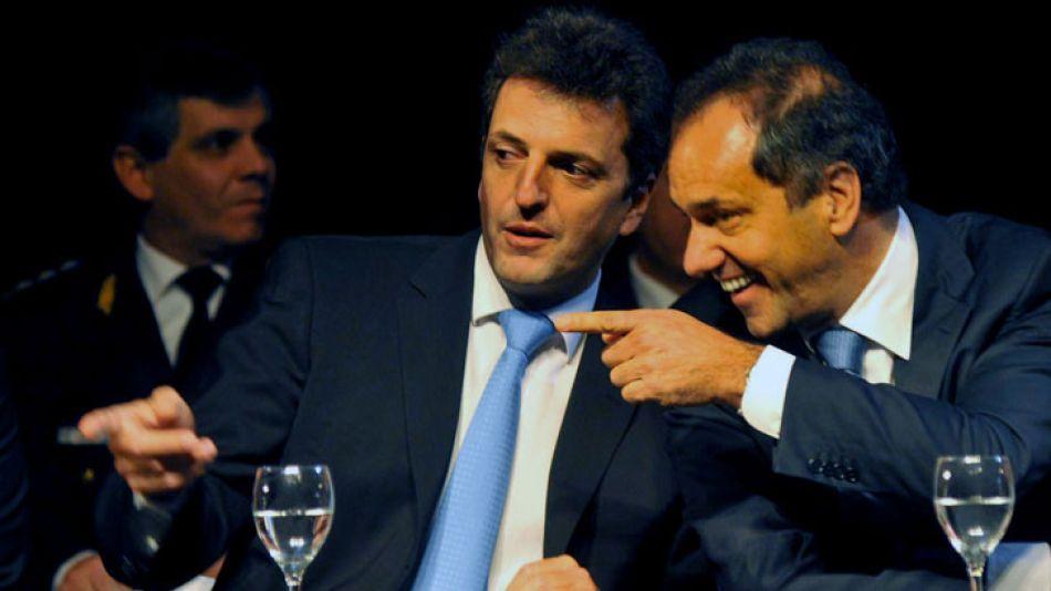 Massa y Scioli se postulan como referentes del peronismo disidente.