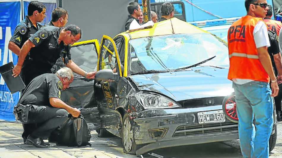 El chofer que provocó el accidente en la avenida Santa Fe está alojado en el Hospital Fernández, en calidad de detenido. Esta semana podría recibir el alta.