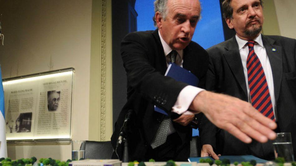 Oscar Parrilli escribió un comunicado para desmentir las acusaciones de Macri sobre el terreno de Tecnópolis.