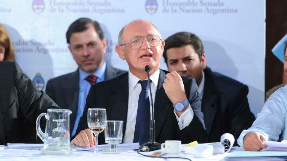 El canciller Héctor Timerman cruzó al ex vicecanciller de Néstor Kirchner. En la imagen, durante su exposición en el Senado.
