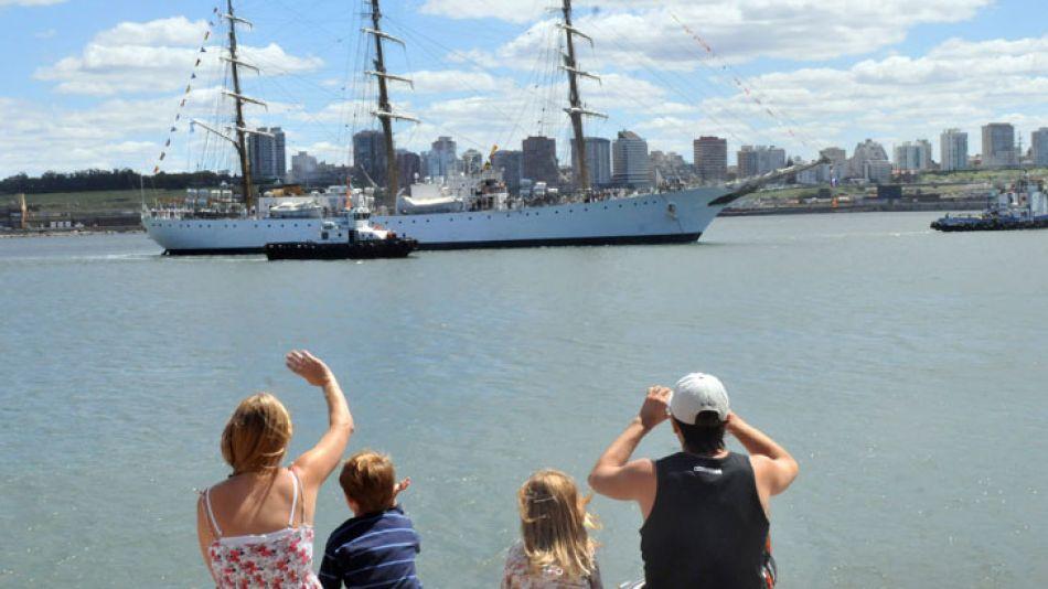 En Mar del Plata, la fragata fue visitada por cerca de 120 mil personas.