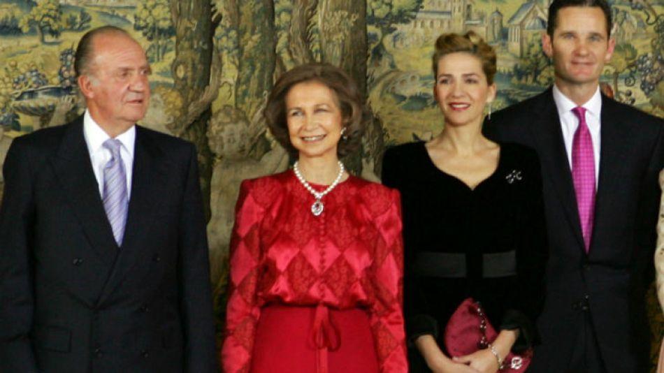 Iñaki Urdangarin informaba al rey Juan Carlos sobre todos sus negocios, y su esposa, la infanta Cristina, conocía y tomaba decisiones sobre las actividades de su marido.