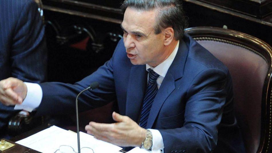 """El jefe de la bancada oficialista en el Senado, Miguel Angel Pichetto, se mostró confiado: """"A la noche vamos a tener la media sanción del proyecto para enviárselo a la Cámara de Diputados""""."""