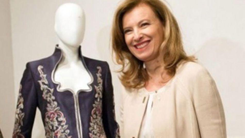 Valerie en un evento de moda, industria clave para Francia