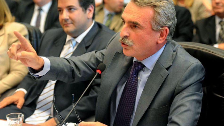 El jefe de la bancada K en Diputados, Agustín Rossi, en el debate de comisiones de esta tarde.
