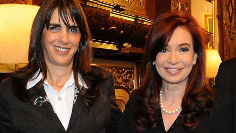 Bielsa y Cristina, en 2011, cuando la presidenta recibió a los candidatos santafesinos.