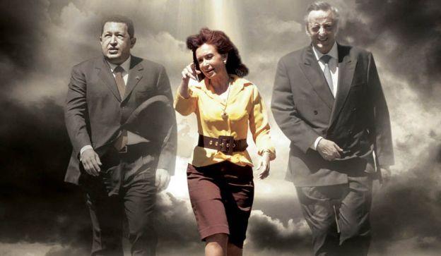 Fotomontaje. La imagen de Cristina con Hugo Chávez y Néstor Kirchner, intervenida para la tapa de esta edición.