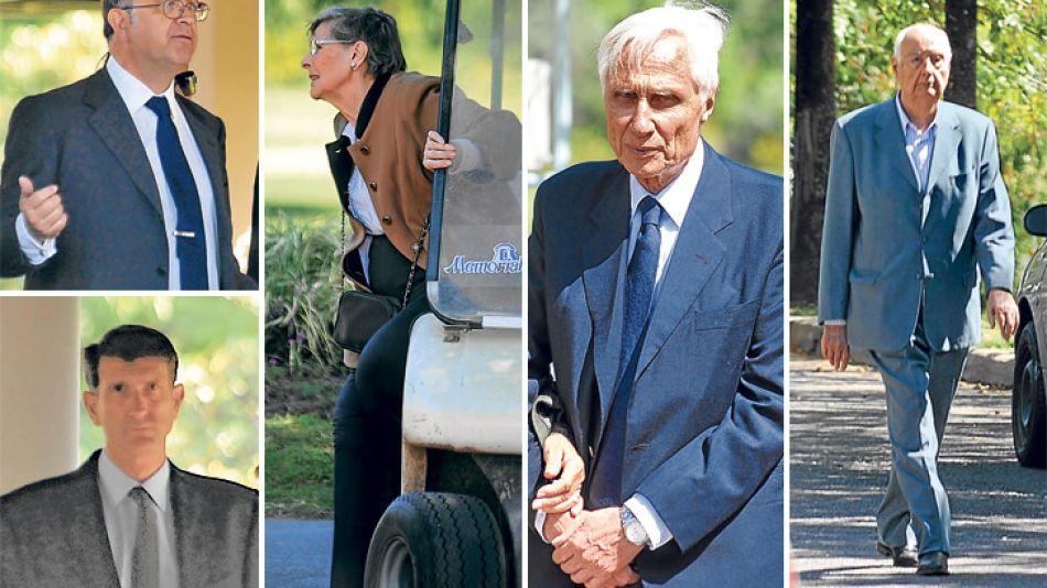 Entierro. Sus hijos José Alfredo (h.) y Marcos. Alicia Hartridge, esposa de Videla. Guillermo Klein y Juan Alemann, funcionarios de la cartera de Martínez de Hoz en los 70.