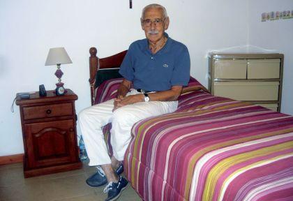 Extremos. Videla en la celda de la cárcel federal de Campo de Mayo, de donde fue llevado luego a la de Marcos Paz, en la que murió el viernes, como un preso común. Aquí hizo su confesión.