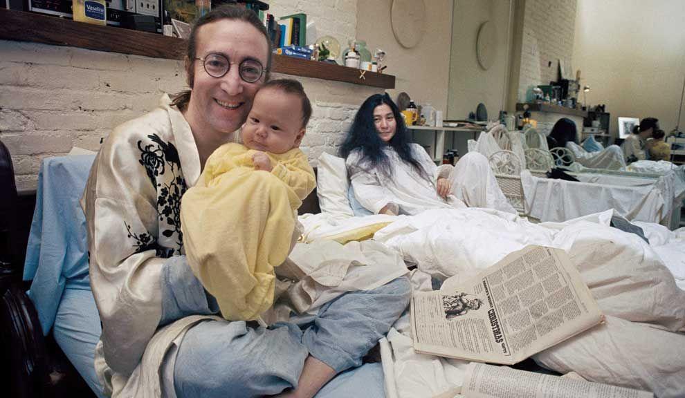 El mismo Lennon pidió a Gruen que fotografiara a su hijo Sean, al poco tiempo de su nacimiento. Según cuenta el fotógrafo, Yoko no estaba tan conforme con la sesión.