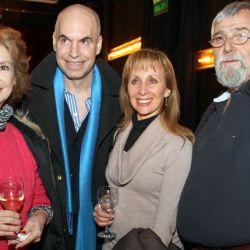 Norma Aleandro, Horacio Rodríguez Larreta, Eleonora Cassano y Lino Patalano en la apertura de Arte Urbano en el Teatro Maipo.