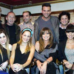 """El elenco de la comedia """"Ud puede ser un asesino"""" festejó junto a su productor Aldo Funes el exito de su gira teatral."""