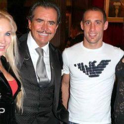 Pablo Zabaleta y su flamante esposa Christel Castaño cenaron junto a Fernando y Soledad Soler en Señor Tango justo antes de su viaje de regreso a Europa.