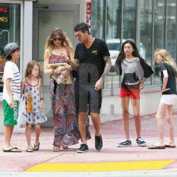 Marcelo Tinelli, Guillermina Valdes e hijos en Miami (3)