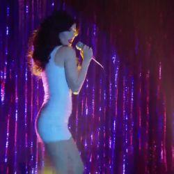 Natalia Oreiro canta Rodrigo (4)