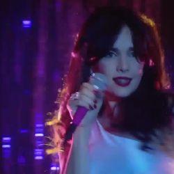 Natalia Oreiro canta Rodrigo (6)
