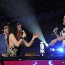 Patricia y Valeria cantan juntas 2