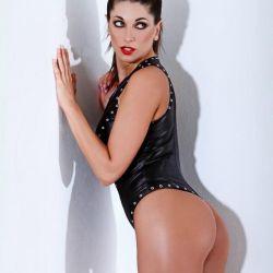 Valeria Degenaro (23)