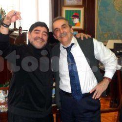 Diego Maradona con Guillermo Moreno | Haceinstantes.net