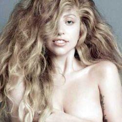 Lady Gaga desnuda