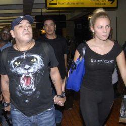 Maradona reapareció con su novia, Rocío Oliva, en Indonesia