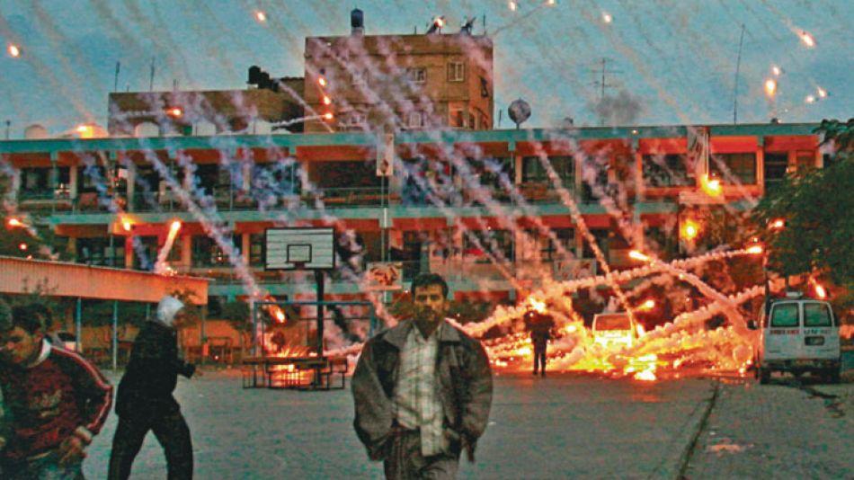 Guerra. En la guerra de Gaza de 2009, Israel utilizó bombas fósforo. Nunca usó armas atómicas.