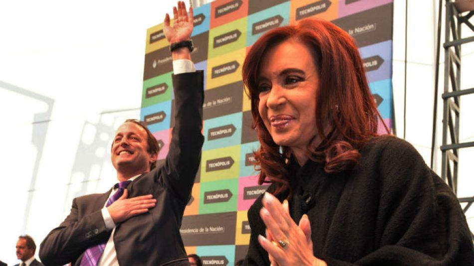 CFK llegó junto a Insaurralde pasadas las 22.30.