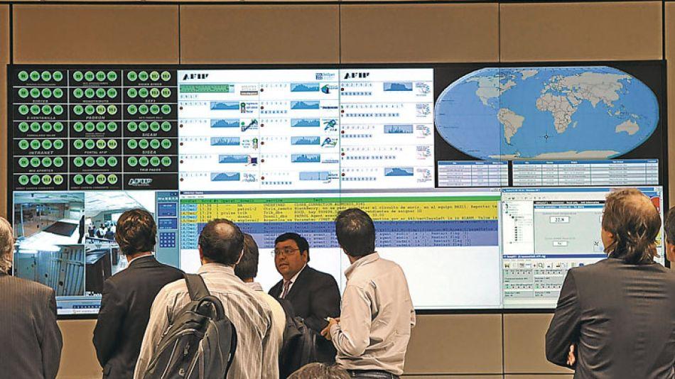 Electrónicos. El centro donde cruzan datos de 54 bases para llegar hasta los trabajadores.