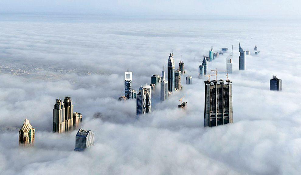 CRECIMIENTO. Las torres en alturas en Dubai sobrepasan el nivel de las nubes.