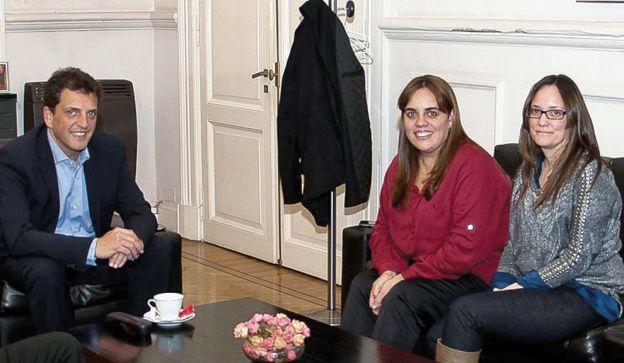La hermana massista. Leonor (al medio) se sumó a los senadores provinciales del Frente Renovador.