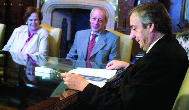"""""""A Kirchner le dije que Vila, Manzano y Moneta eran peores que Magnetto. Él dijo (lo imita): `Shi, pero shon mash débilesh´"""""""