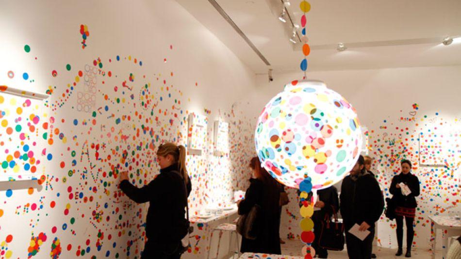 Entorno vivo. Gracias a internet y las redes sociales,  el museo también acontece en línea, lo que transforma la experiencia de la visita.