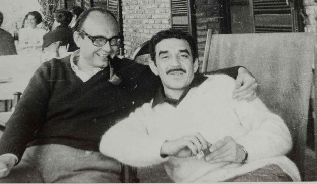 NOTABLES. Vidal Buzzi con Gabriel García Márquez en Buenos Aires.
