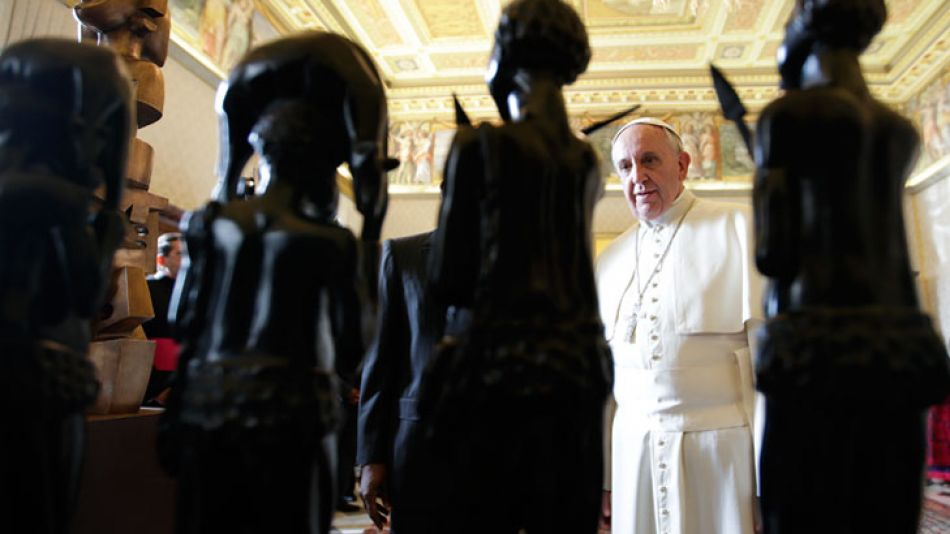 Bien acompañado. El grupo más íntimo al Papa tendría, según versiones, más influencia que el propio Consejo de Asesores, conformado por ocho miembros de la Iglesia.