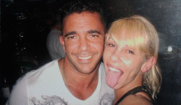 Complicado. El empresario Juan  Suris, pareja de Farro, está alojado en  el penal de Saavedra. Ella lo visita.