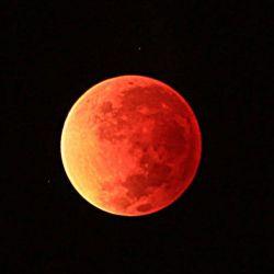 luna-roja-para-noticias-com-g