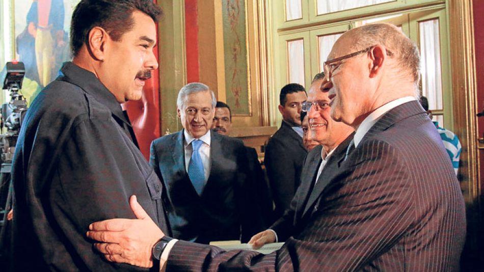 """Aliados. El canciller Timerman cerró filas con Caracas. Uruguay y Chile, más cerca de la """"moderación"""" brasileña que de la ALBA."""