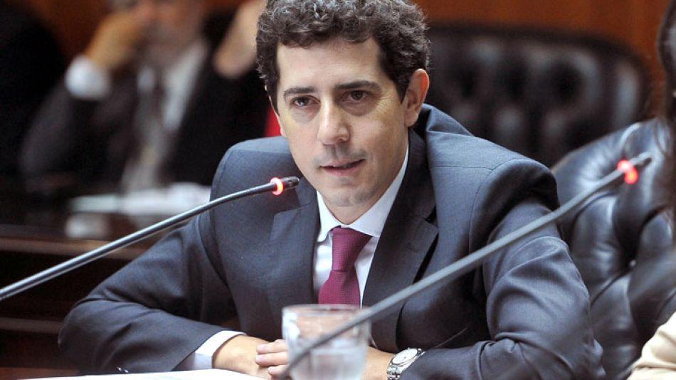 Lejos de salir a desmentir la información que publicó Lanata, Eduardo De Pedro eligió retuitear a sus militantes.