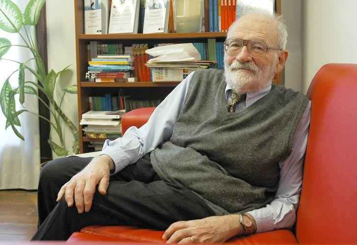 Pasado y futuro. Halperin Donghi es el historiador argentino más destacado. Con la edición definitiva de Revolución y guerra (Siglo XXI) propone un juicio sumario al paso del tiempo.
