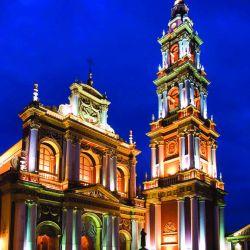 La basílica y convento de San Francisco es una de las postales más bellas de la ciudad de Salta.