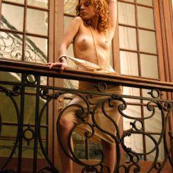 Agustina Kampfer desnuda (10)
