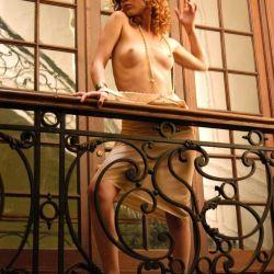 Agustina Kampfer desnuda (11)