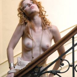 Agustina Kampfer desnuda (12)