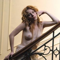 Agustina Kampfer desnuda (15)