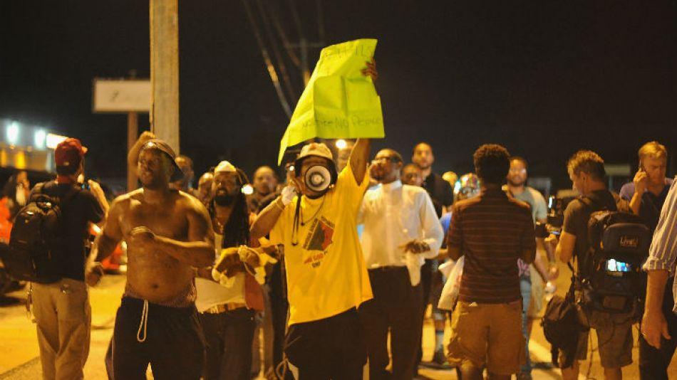 Manifestación pacífica en las calles de Ferguson, Missouri.