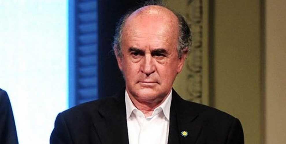 """""""ALFRED"""" PARRILLI. El valet presidencial ya manchó lo que le fue encargado limpiar."""