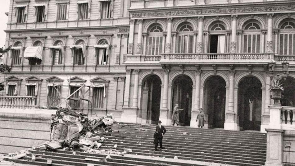 Casa Rosada. Los bombardeos fueron sobre la sede de gobierno y la residencia de Perón, que se escondió en el Ministerio de Guerra.