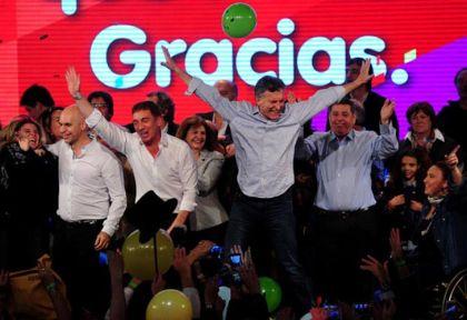 Clásico del PRO. El baile de festejo después de una victoria.